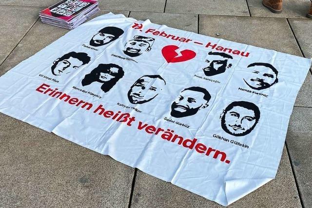Rund 1500 Menschen gedenken in Freiburg der Opfer von Hanau