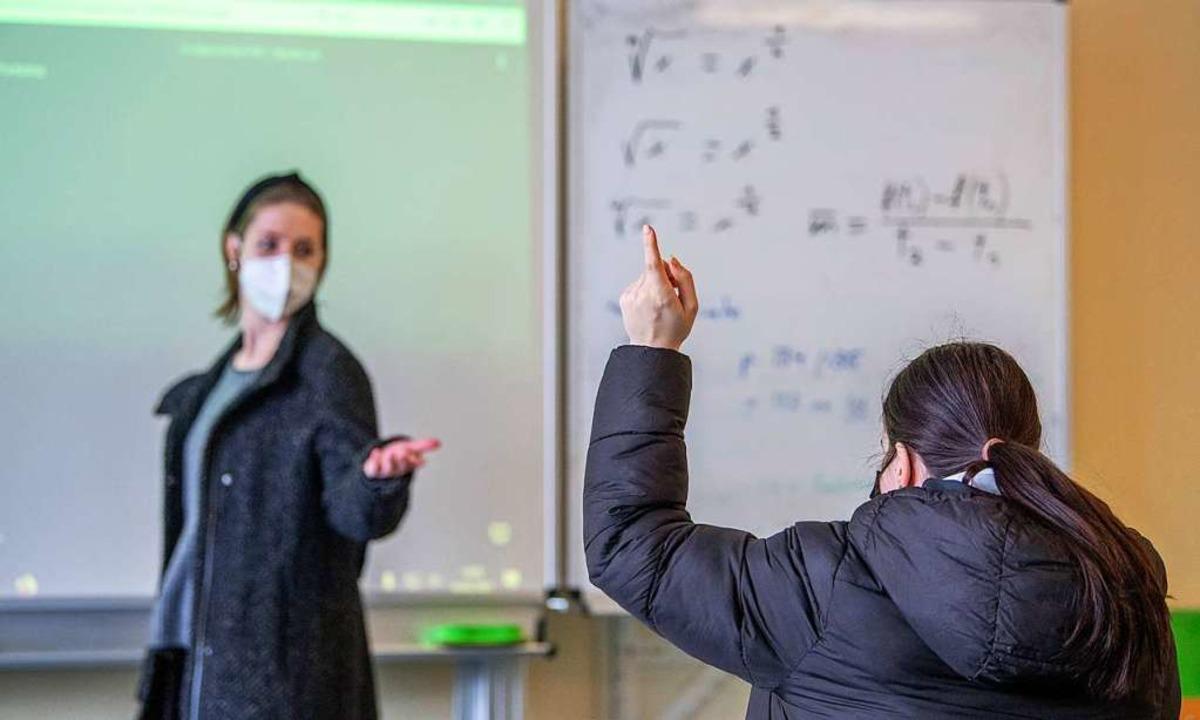Lehrkräfte an Grundschulen und  Kita-B...sollen ab März geimpft werden können.   | Foto: Björn Hake via www.imago-images.de