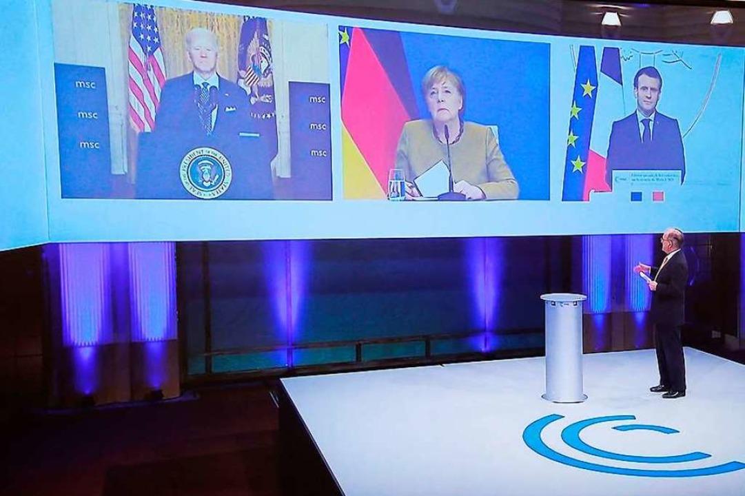 Unter Partnern: Joe Biden, Angela Merk...i der virtuellen Sicherheitskonferenz.  | Foto: BENOIT TESSIER (AFP)