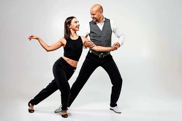 Tanzen Sie mit bei Online-Kursen in West Coast Swing!