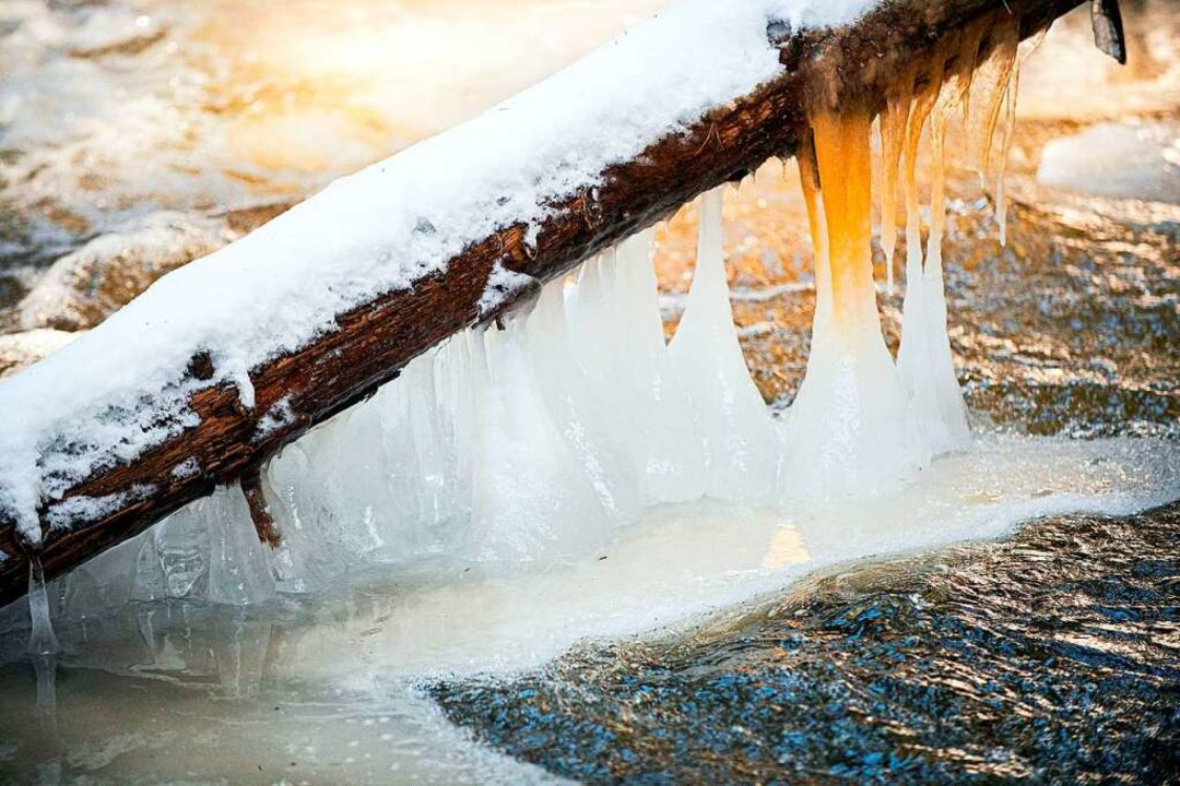 In der Ravennaschlucht formen Eis und  Wasser skurrile Formen.  | Foto: Wolfgang Scheu