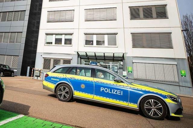 Explosive Postsendungen verschickt? - Rentner in U-Haft schweigt