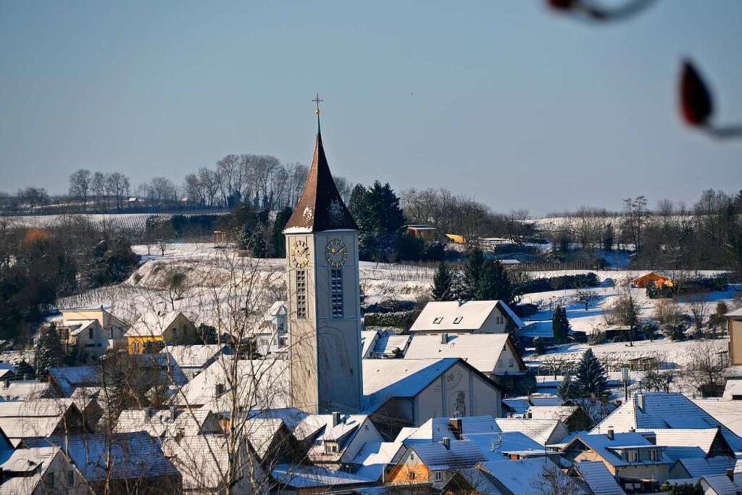 Die Pfarrkirche mit dem mehr als 50 Meter hohen Turm  | Foto: Privat
