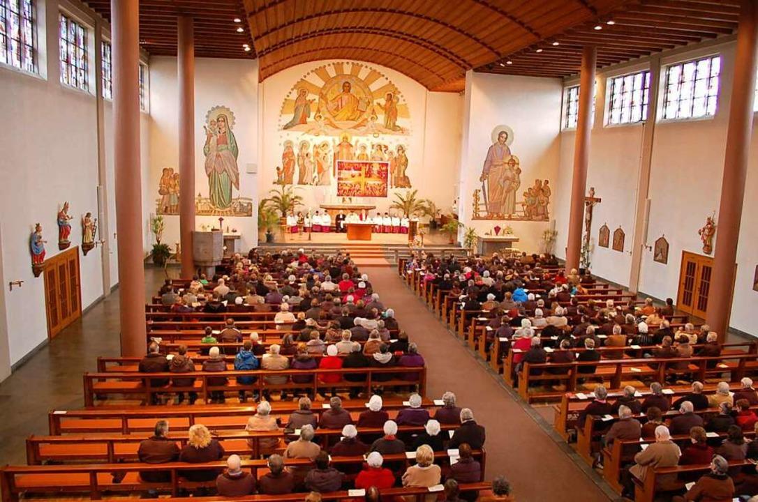 800 Plätze fasst das Gotteshaus  | Foto: Hubert Röderer