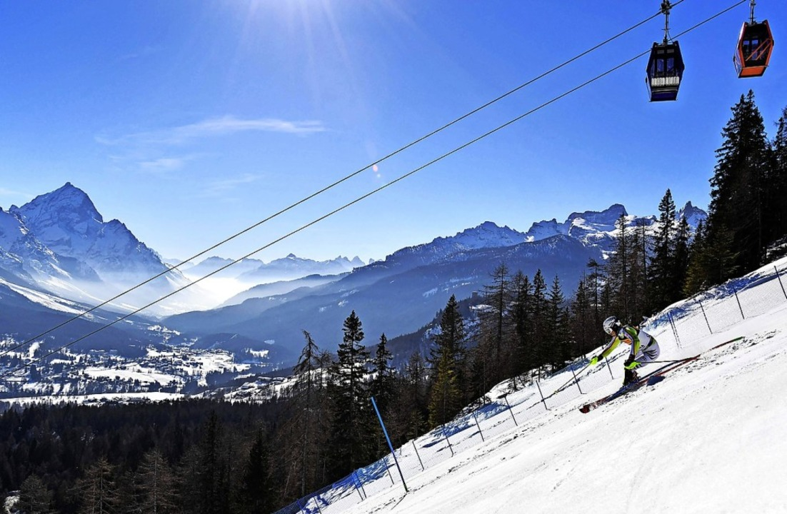 Linus Straßer in grandioser Bergwelt  | Foto: ANDREAS SOLARO (AFP)