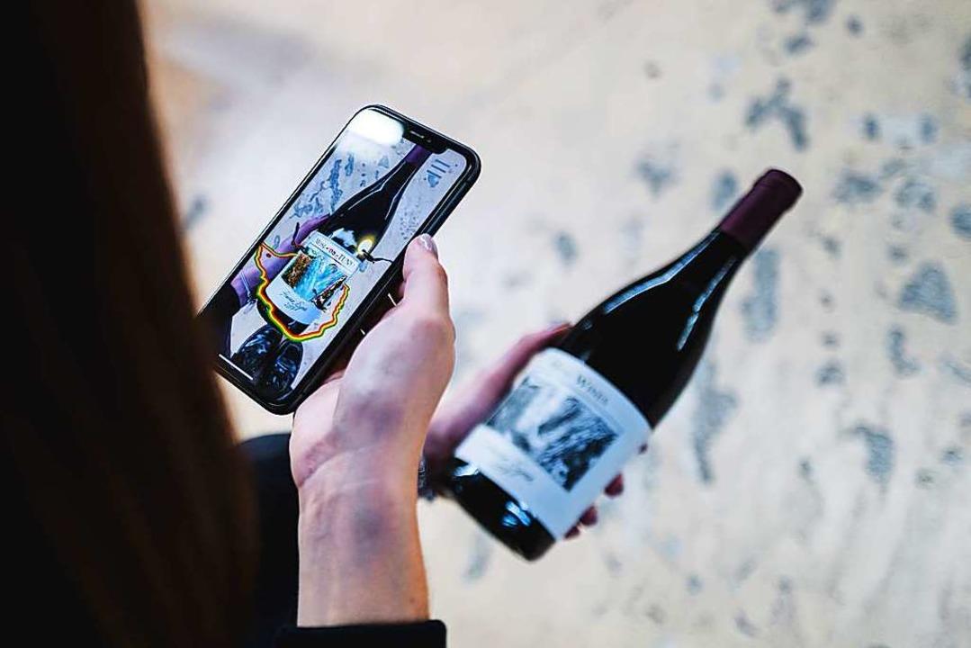 Weinetiketten mit Augmented Reality-El...rmationen zum Produkt zu präsentieren.  | Foto: Vollherbst-Druck