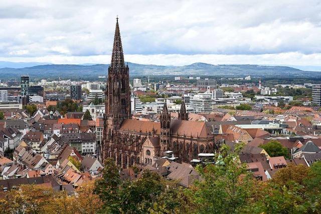 Auch in Freiburg hängt Maria 2.0 Thesen an die Kirchentüren