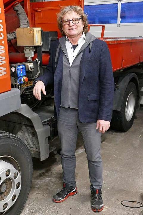 Harald Ebi in seinem Dachdeckerbetrieb  | Foto: Martin Köpfer