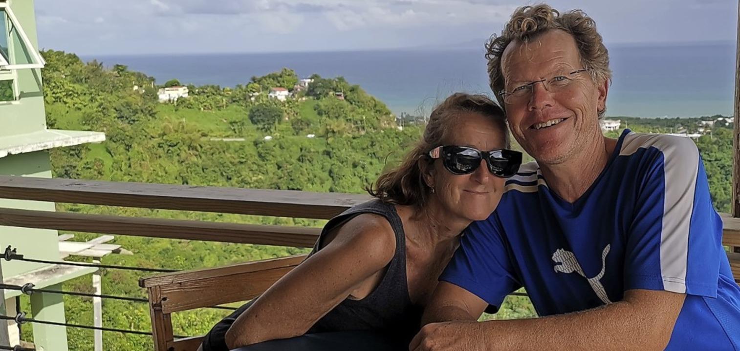 Pia Koch und Köbi Brem segeln seit 201...die Welt. Das Bild zeigt sie in Kuba.   | Foto: zvg