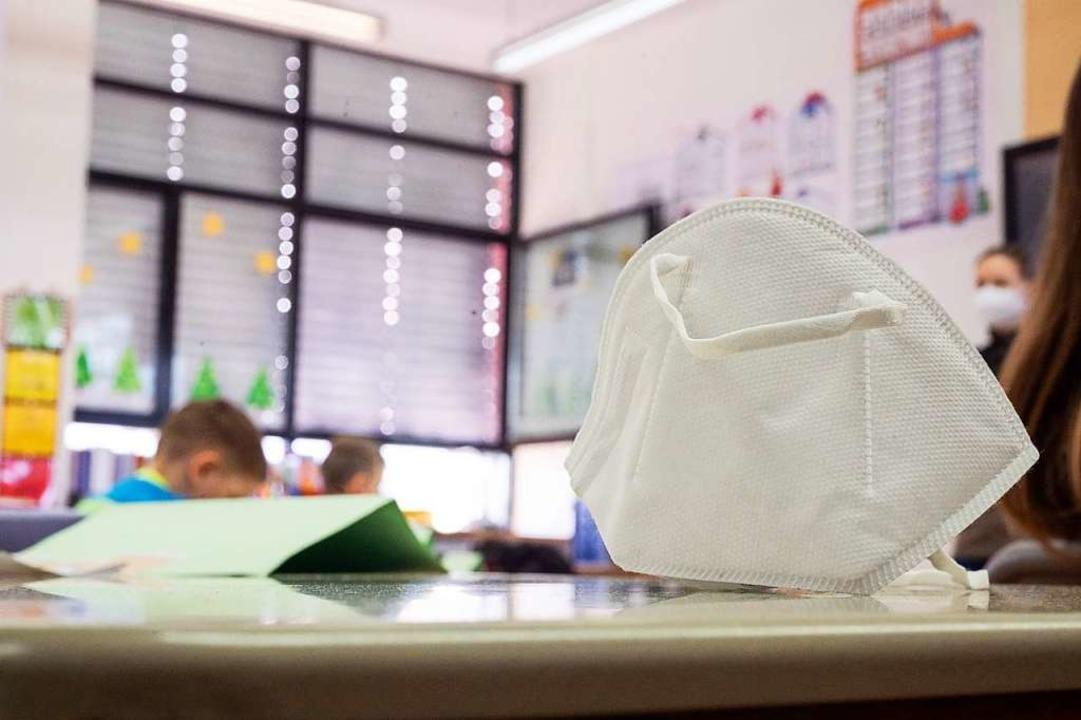 Die Schulen starten wieder: Für Grunds...nt heute wieder der Präsenzunterricht.  | Foto: Sebastian Gollnow (dpa)