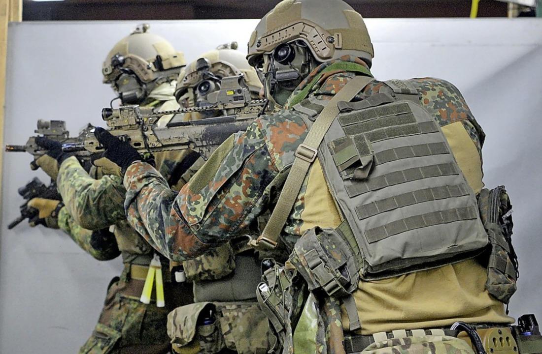KSK-Soldaten bei einer Übung  | Foto: Franziska Kraufmann (dpa)