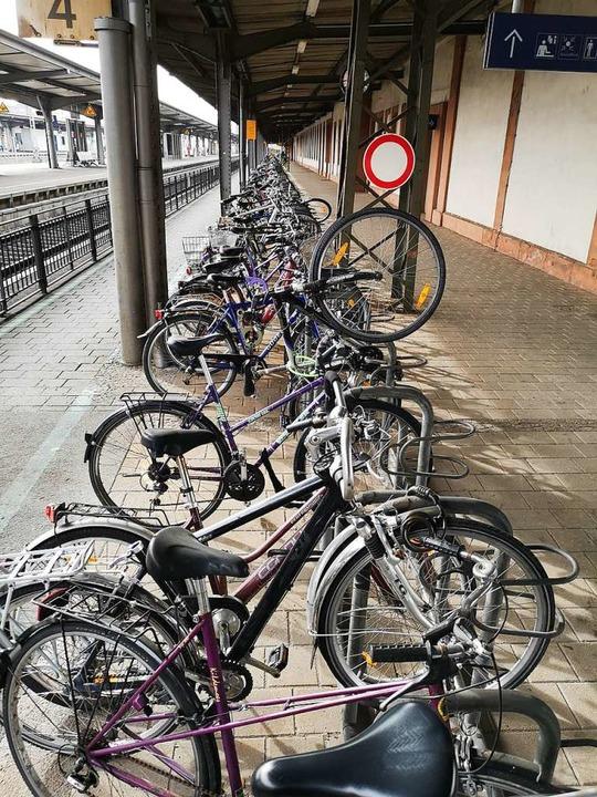 Räder am Offenburger Bahnhof  | Foto: Ralf Burgmaier