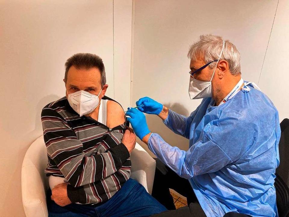 Als erster Senior im Kreis emmendingen... gegen das Coronavirus geimpft worden.  | Foto: Landratsamt Emmendingen
