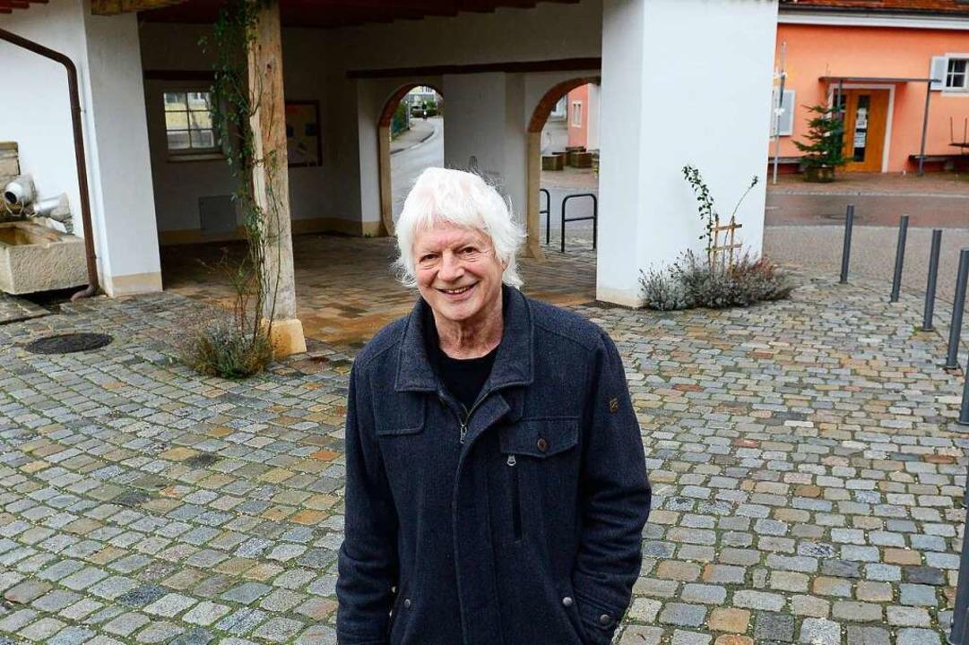 Rolf Seifert vor dem Milchhäusle in Bollschweil  | Foto: Ingo Schneider