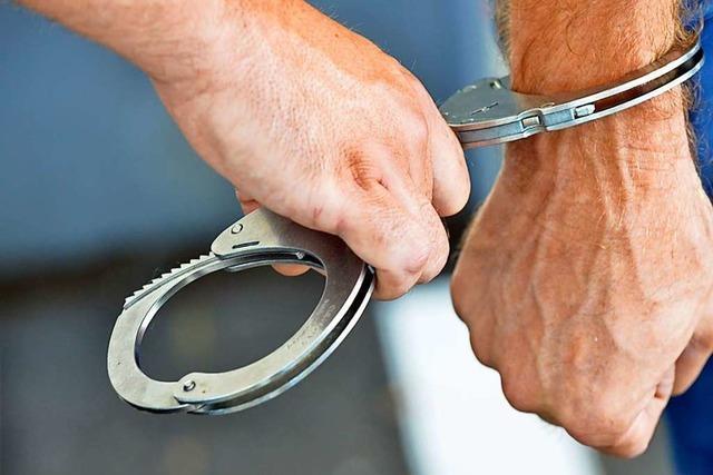 19-Jähriger verletzt Polizeibeamten bei Personenkontrolle in Vauban
