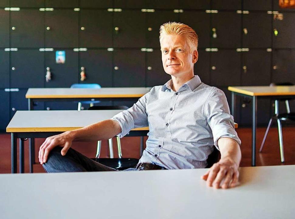 Peter Schallmayer im Klassenzimmer  | Foto: Büro Schallmayer
