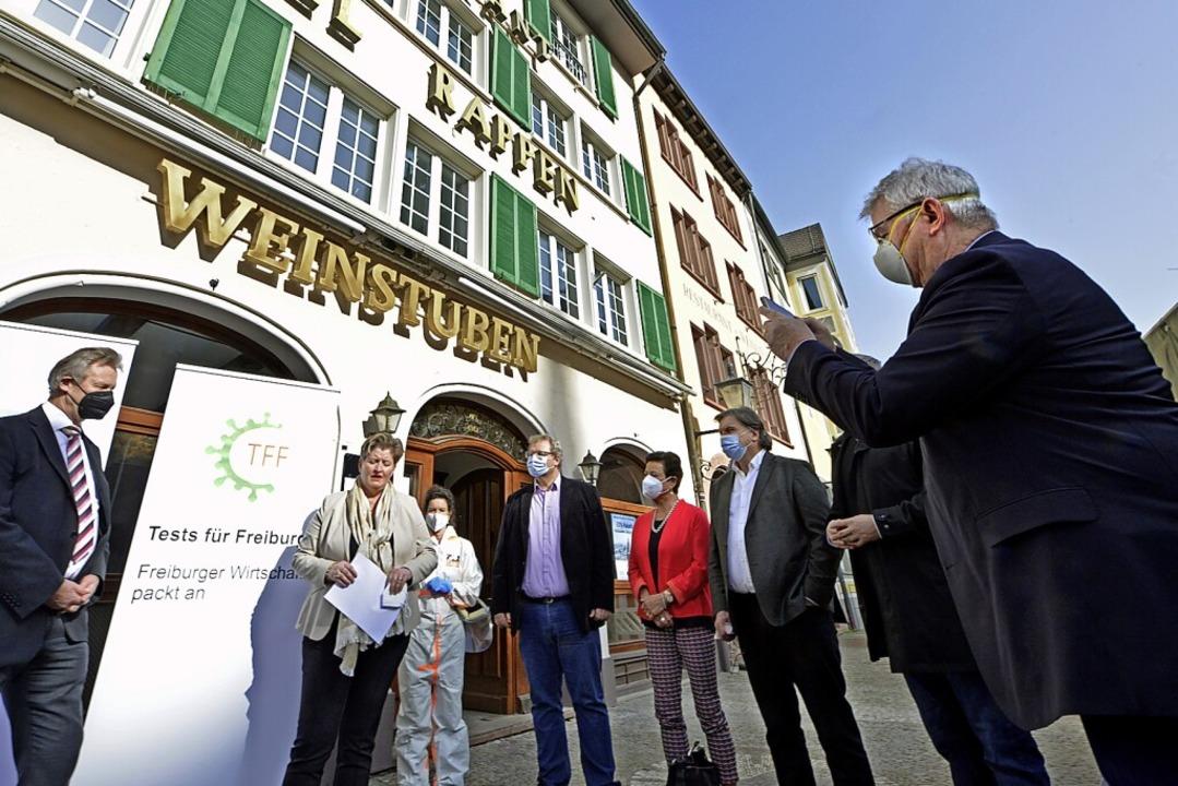"""Freiburger Unternehmen sponsern das Sc...22;Rappen"""" auf dem Münsterplatz.    Foto: Michael Bamberger"""