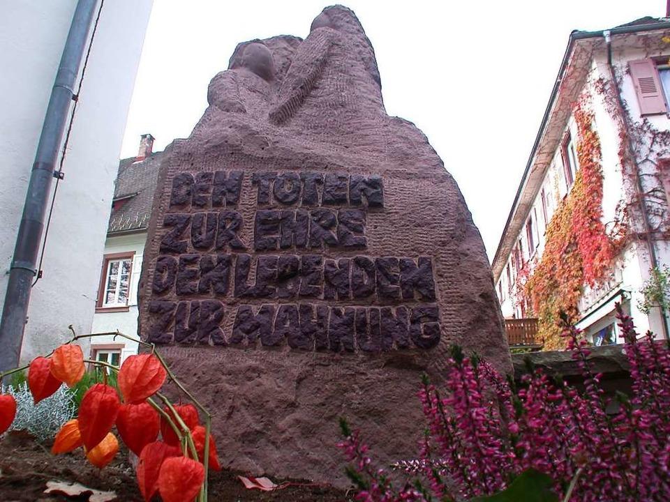 Der Weg für Stolpersteine ist frei: Di... gibt es seit 2007  einen Gedenkstein.  | Foto: André Hönig