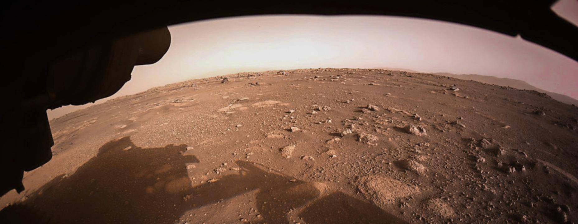 Blick in eine fremde Welt: Das von der...he des Mars hat Perseverance gemacht.   | Foto: -- (dpa)