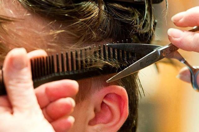 Die Ruhe vor dem Sturm: Friseure bereiten sich auf Öffnung vor
