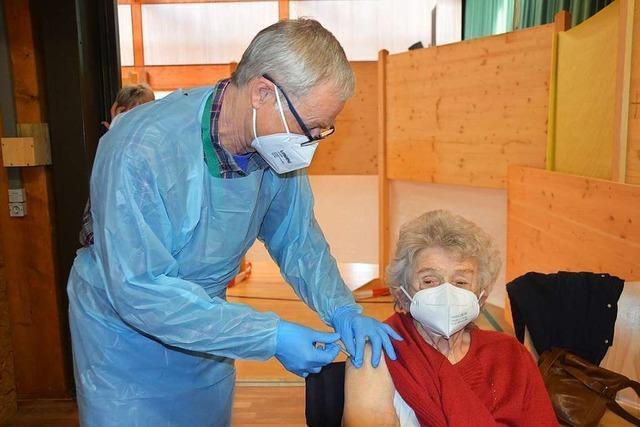 400 Frauen und Männer wurden in Häusern geimpft