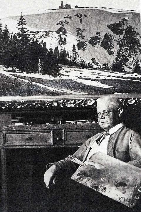 Hermann Dischler vor einem Gemälde des...Buck aus gesehen, aus dem Jahr  1928.   | Foto: Repro