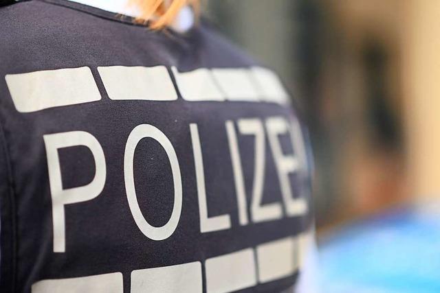89-jährige Fahrradfahrerin wird bei einem Unfall in Lörrach leicht verletzt