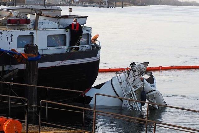 Betonmischer rollt in den Rhein – Frachtschiff verhindert Schlimmeres