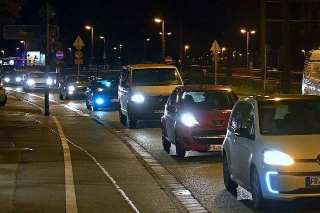 Mehr Polizei, aber weniger Fahrzeuge beim Freiburger Autokorso