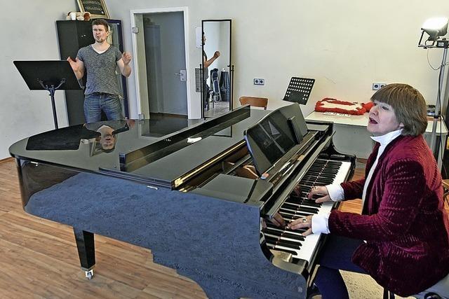 Eine Freiburger Gesangs-und Stimmtrainerin beißt sich durch – mit viel Leidenschaft