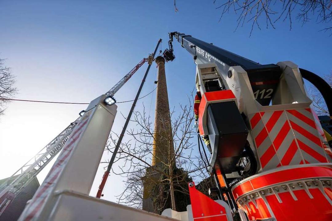 An technischem Gerät waren involviert:...n, die Gelenkbühne und die Drehleiter.  | Foto: Stadt Freiburg / Mundenhof