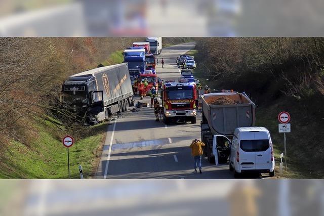 Ein Mensch stirbt bei Verkehrsunfall auf B 34