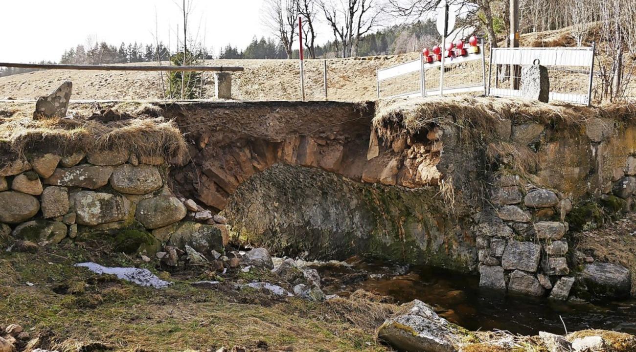 Die Brücke nach Unterfischbach ist abgebrochen.   | Foto: Eva Korinth