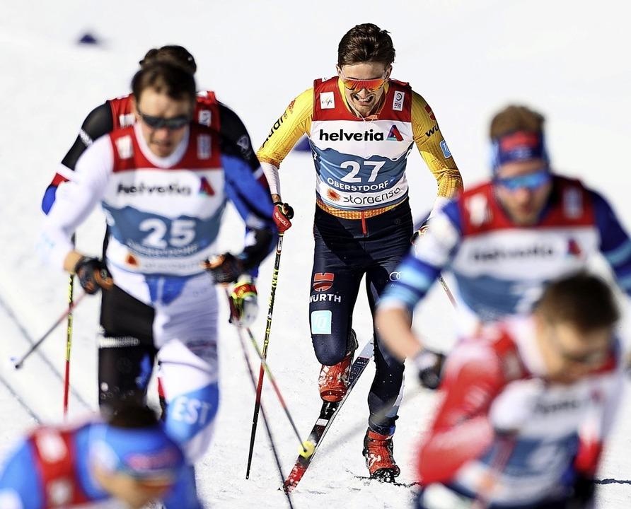Auf langsamen Ski hielt der Kontakt zu...i der Weltmeisterschaft in Oberstdorf.  | Foto: Daniel Karmann (dpa)