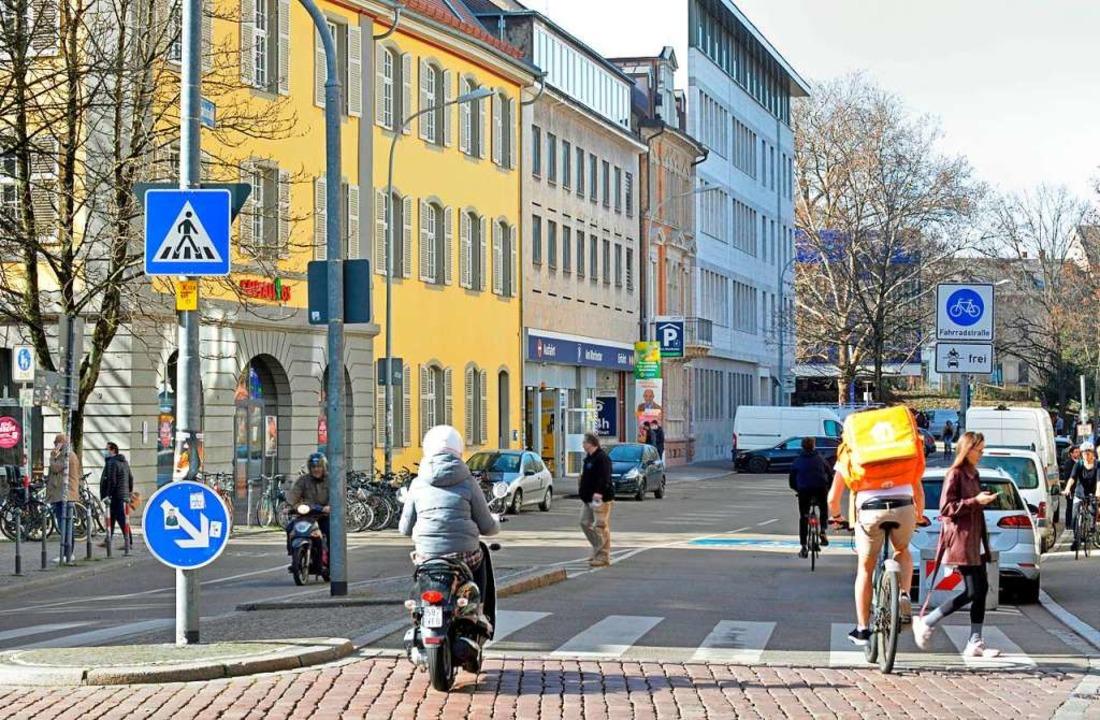 Die Parkhäuser an der Rempartstraße so...tz Einbahnregelung erreichbar bleiben.    Foto: Michael Bamberger