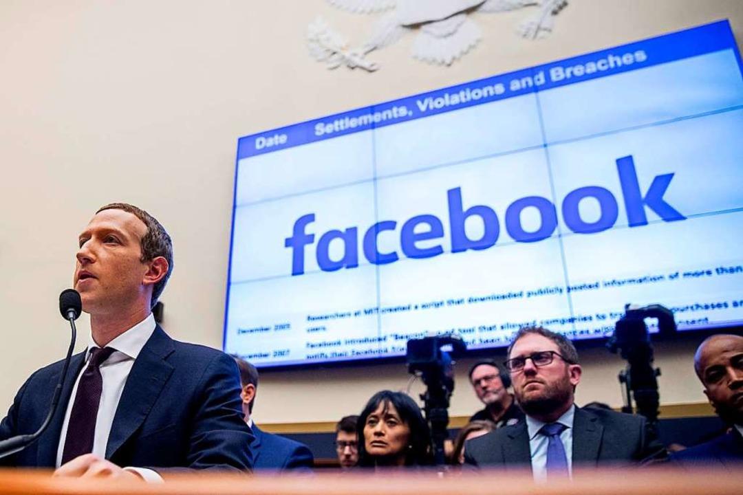 Jahrelang hat sich Facebook in einer d...uf Verleger und die Regierung erhöhte.    Foto: Andrew Harnik (dpa)