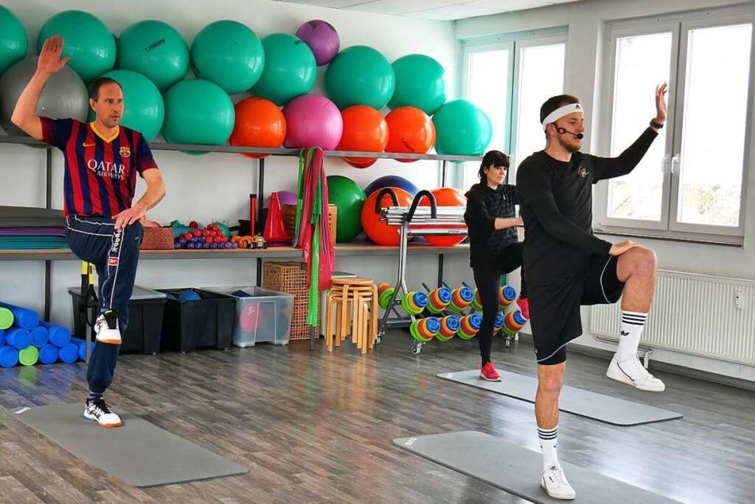 Sportvideos zum Mitmachen haben Lehrer...er, Kerstin Löffler und Moritz Stohr.     Foto: Eva Korinth