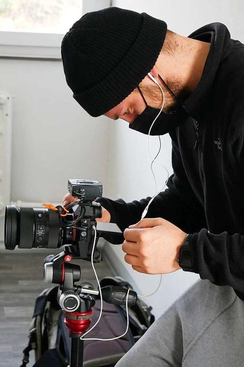 Johannes Frei von JF Visuals aus Titis... und schneidet sie zu Videos zusammen.    Foto: Eva Korinth