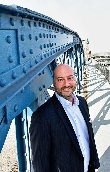 Arndt Michael auf der Blauen Brücke    Foto: Michael Bamberger