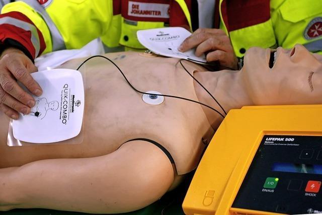 Verein will Defibrillatoren im Raum Freiburg zugänglich machen