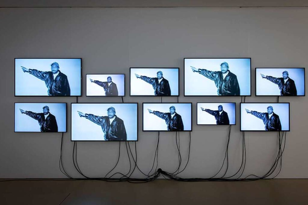 "Videoinstallation ""Look"" von Dorian Sari im Kunstmuseum Basel  | Foto: Jonas Hänggi"