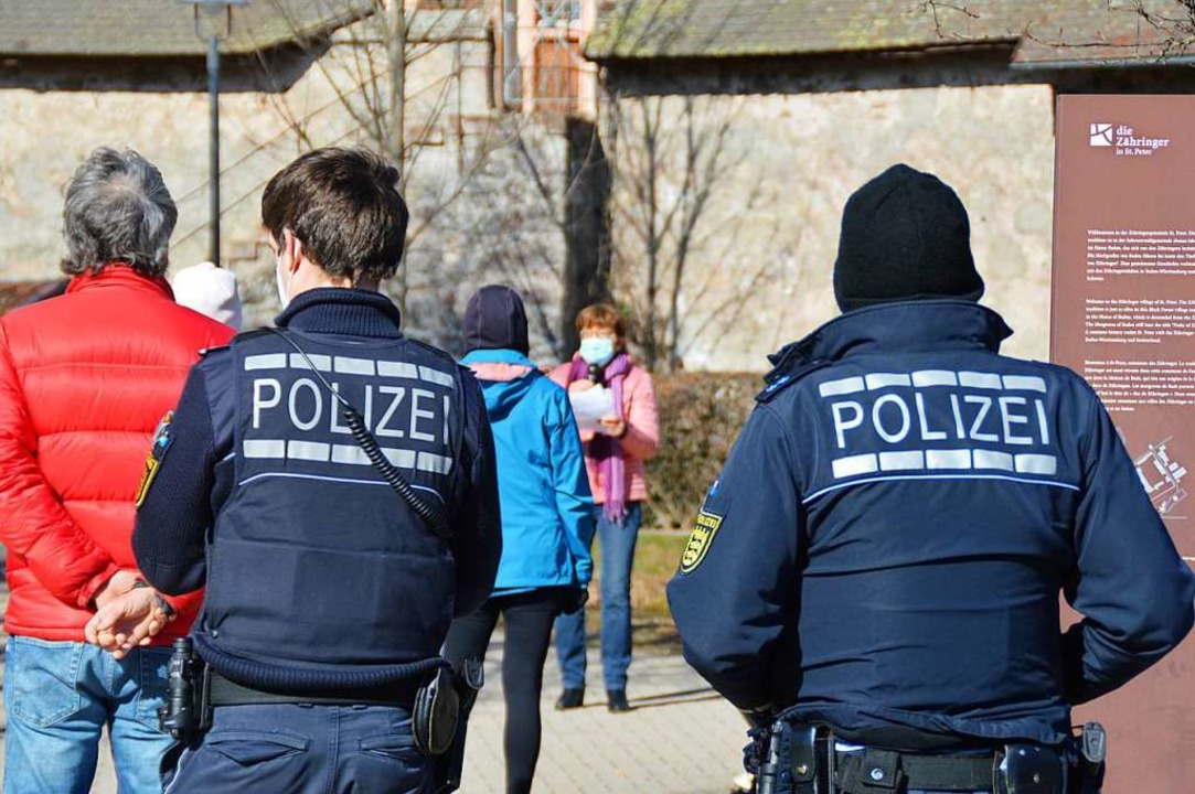 Insgesamt waren bei den beiden Veranst...Peter sieben Polizeibeamte im Einsatz.  | Foto: Sebastian Hielemann