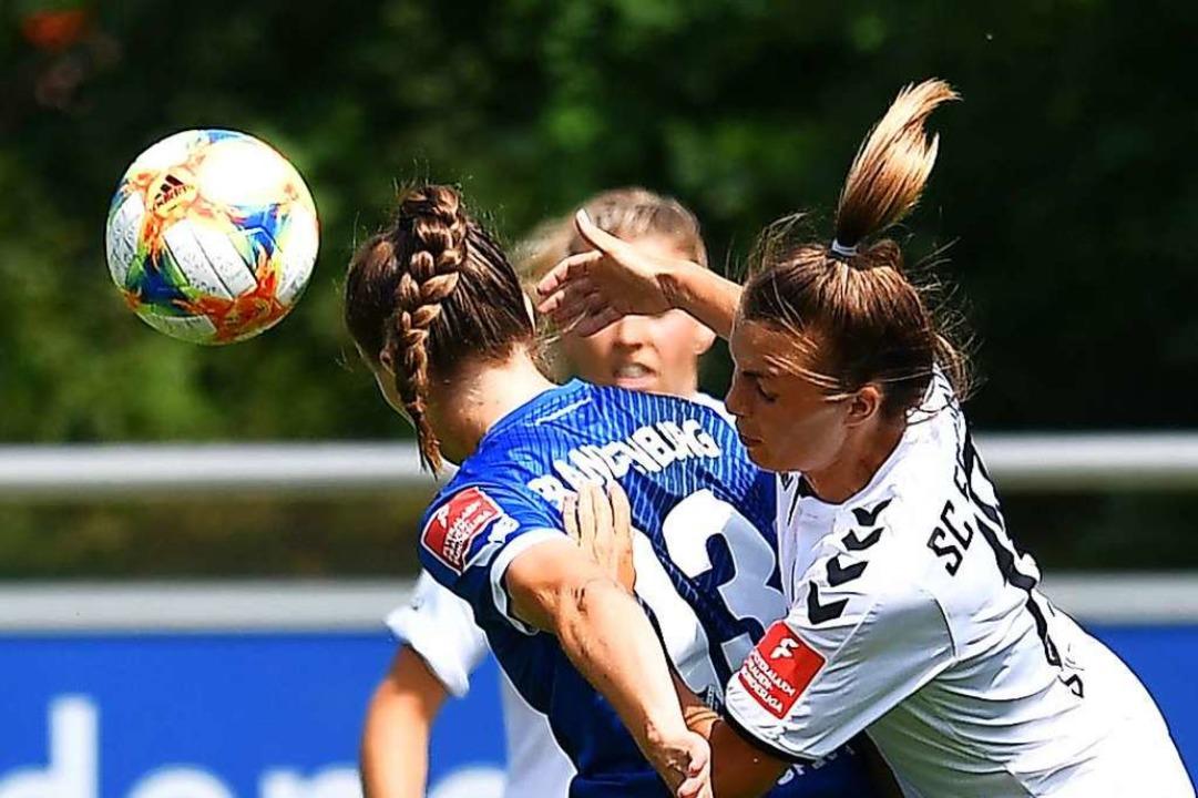 Sandra Starke (rechts) und Co  spielen...d, den sie im  Hinspiel 3:0 bezwangen.  | Foto: Achim Keller