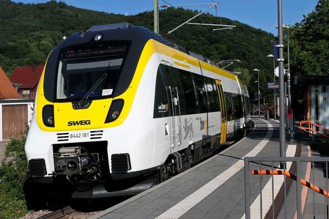 Ein Talent-3-Zug der SWEG auf der Müns...sung wohl erst ab Herbst nachgerüstet.    Foto: Hans-Peter Müller