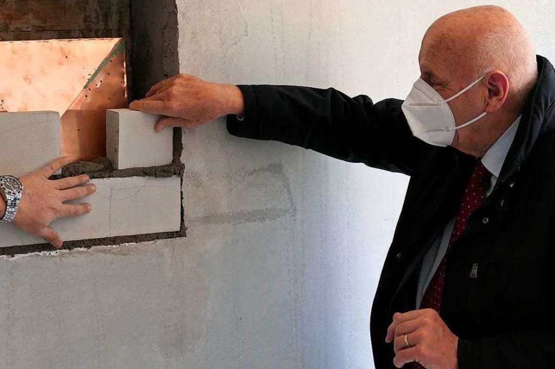 Namensgeber Arno Herbener hilft auch mit, ebenso wie...  | Foto: Hans-Peter Müller