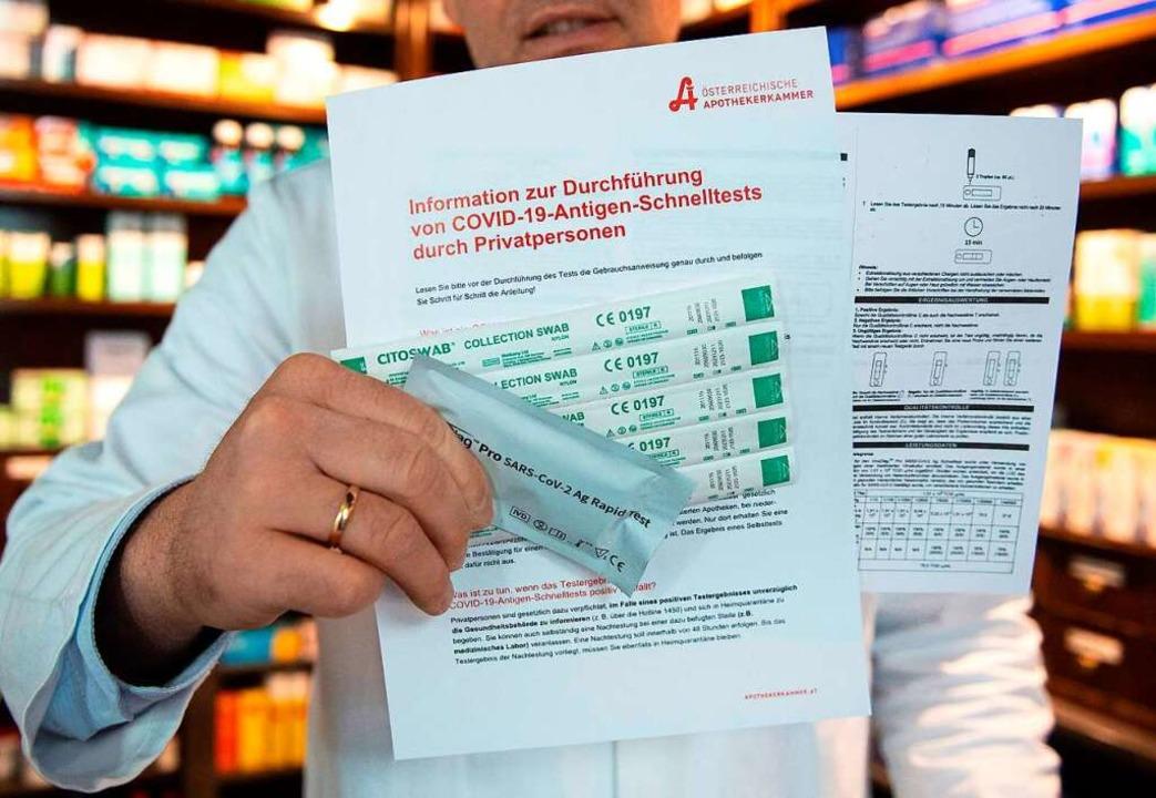 In Apotheken werden Schnelltests angeboten (Symbolbild).    Foto: JOE KLAMAR (AFP)