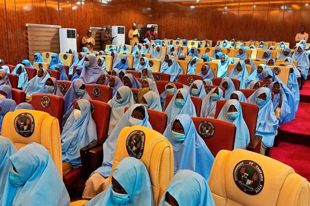 Hunderte verschleppte Schulmädchen aus...Staat Nigeria sind wieder in Freiheit.  | Foto: AMINU ABUBAKAR (AFP)