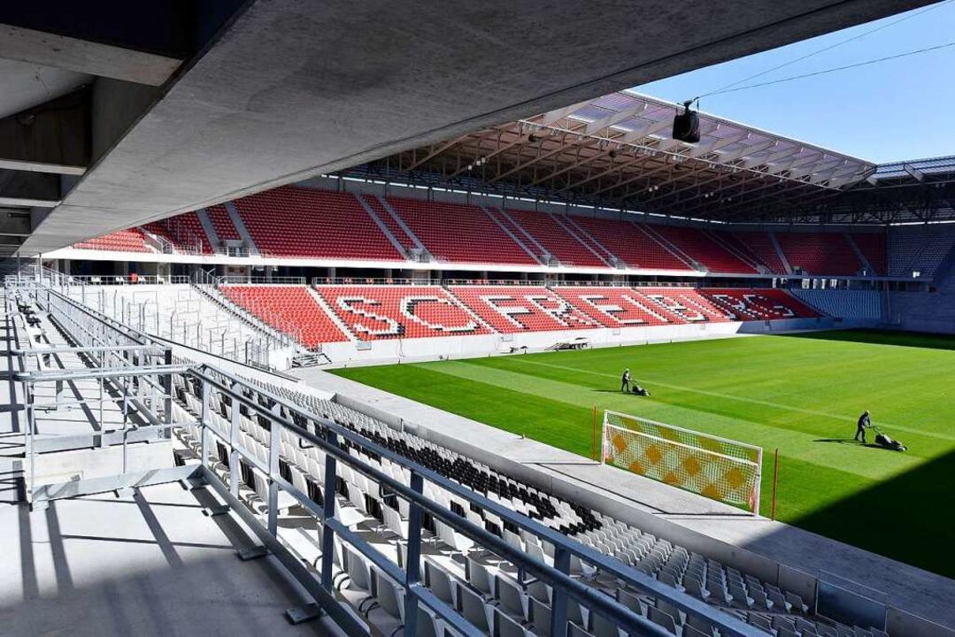 Fußball wird im neuen Stadion erst zur...hen Sportclub und Stadtverwaltung aus.  | Foto: Thomas Kunz
