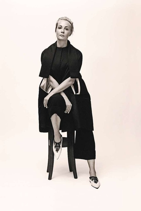Julia Nawalnaja von Stefan Armbruster ...Offenburger Pfarrstraße 2 porträtiert.    Foto: Harper's Bazaar