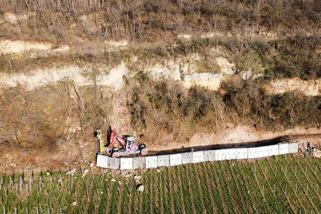 Großer Felsblock droht bei Niederrimsingen abzustürzen